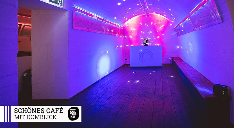 Eventlocation-Koeln-Partyraum-mit-Domblick-für Selbstversorger
